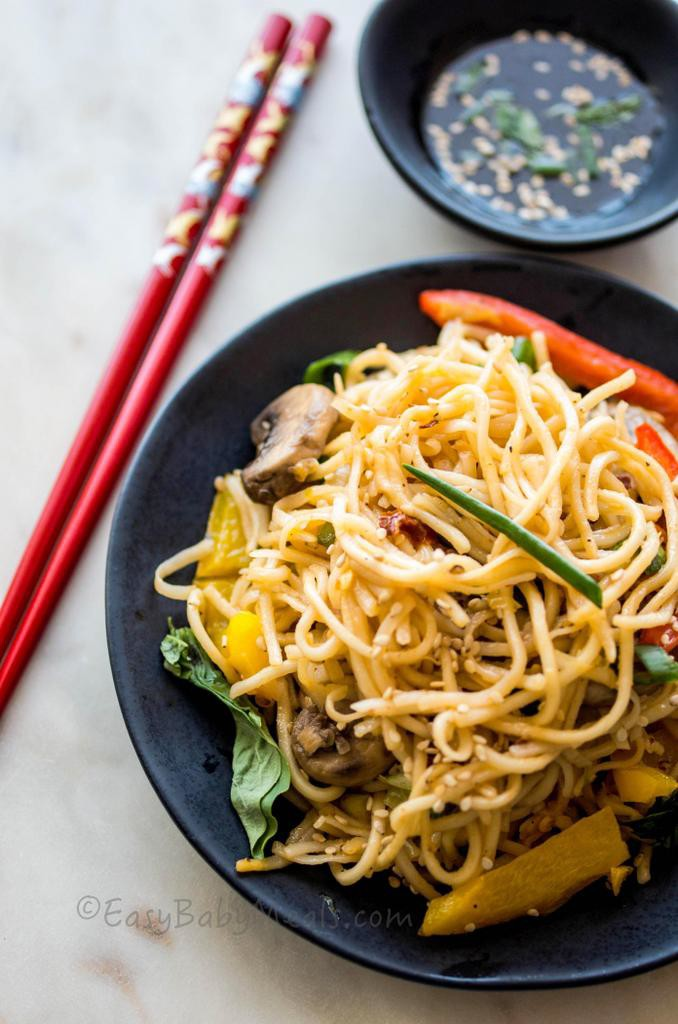 Stir-Fry Noodles-Life just got easier with these 10 Make Ahead School Lunches. More at www.easybabymeals.com