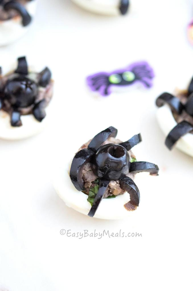 spooky-spider-eggs